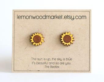 Sunflower earrings - alder laser cut wood earrings - flower earrings - laser engraved earrings - summer earrings