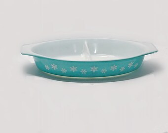 Pyrex Glass Turquoise Snowflake Divided Dish Serving Cooking Vintage Kitchen