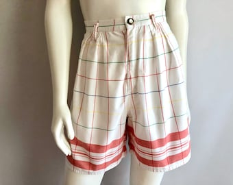 Vintage Women's 80's Lizwear, High Waisted, Pleated Shorts (M)