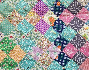 Vintage Feedsack Square Quilt * Classic Design * Beautiful * Colorful - King * Queen
