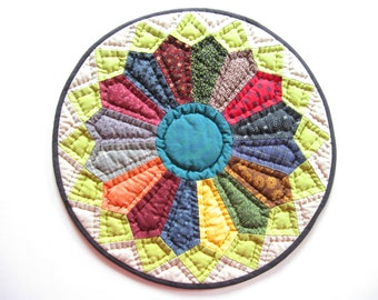 Hand Quilted Table Topper, Quilted Candle Mat, Round Tabletop Quilt, Miniature Quilt, Rustic Home Decor, Farmhouse Decor, Country Home Decor
