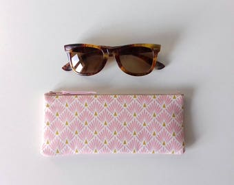 Glasses case padded fabric pink scales