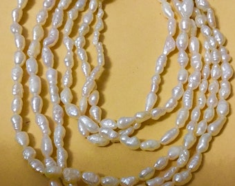 Beautiful 3 strands river pearl  necklace