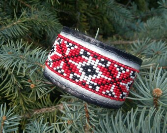Leather bracelet with loom beaded, cuff, Trend bracelet, Ukraine jewelry, Ornament bracelet, Gift for her, etno jewelry, Ukrainian style