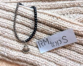 Bracelet beads black old silver shell charm minimalist bracelet beads black old silver shell charm minimalistic
