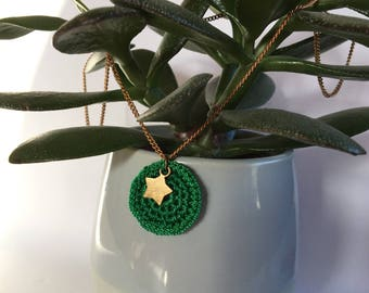 Gwen green crochet with star necklace