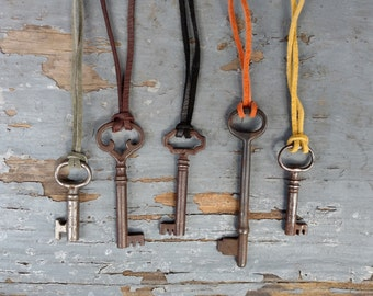 RANDOM Antique Skeleton Key Necklace