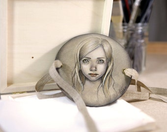 """thaumatrope handpainted """"portrait of a young girl and branches"""" (version 5)"""