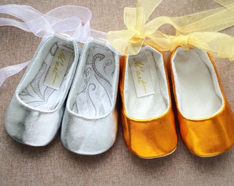GOLD baby shoes, SILVER baby shoes, baby ballerina shoes, baby ballet shoes, gold baby outfit, infant shoes, gold baby shower gift