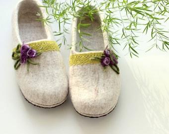 Felt women slippers size US 9.5, EUR 41, ready to ship gift, hygge house shoes, felt home slippers, gift for Mother, valenki felt wool clogs