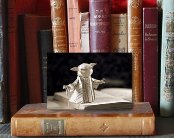 Paper Sculpture Fineart Postcard Yoda - Starwars series