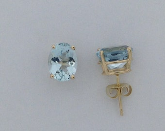 Natural Aquamarine Stud Earrings Solid 14kt Yellow Gold. March Birthstone