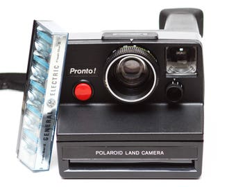 Polaroid Pronto! SX-70 Film Land Camera with Flash Bar Made in USA 1970s Fully Operational