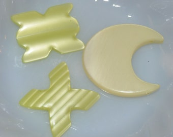 Vintage Lucite Yellow Mix Cabochons (4)