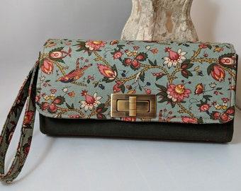 Vintage Floral Clutch Wallet