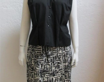 """On Sale! 1960's Top and Skirt Set / Black and White / Size: 28"""" Waist Skirt"""