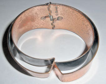 Fabulous vintage modernist Renoir copper hinged clamper bangle bracelet