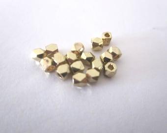 Set of 10 Golden hexgonales beads