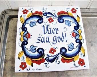 berggren tile trivet vaer saa god rosemaling style scandinavian