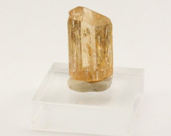 Imperial topaz crystal from Brazil 6.8 ct