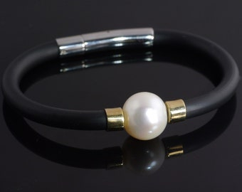 Freshwater Pearl Bracelet with 9ct Gold and Neoprene Band with Stainless Steel Clasp