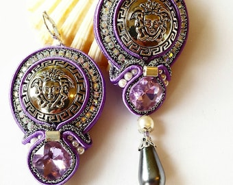 Soutache Ohrringe aus Knopf Medusa Head. Statement Ohrringe.