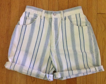 1980s LEE striped high waisted mom jean shorts, vintage size 10 petite,  28 inch waist, great condition