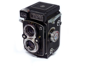 Yashica Mat LM medium format TLR 6x6 camera tested and working