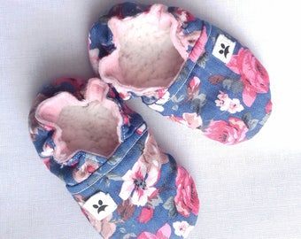 Soft sole baby moccs 13cm