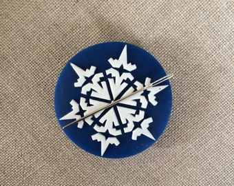 SNOWFLAKE needle minder magnetized needle holder