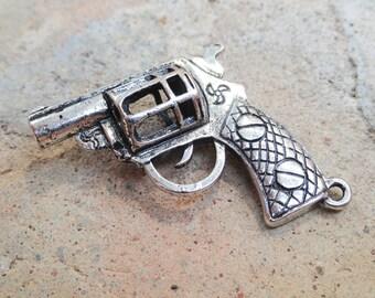 1 pistol, revolver American silver metal charm, 33mm / 33mm