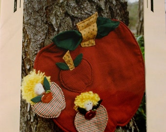 Apples, Apples Placemat, Coaster and Ornament Sewing Pattern