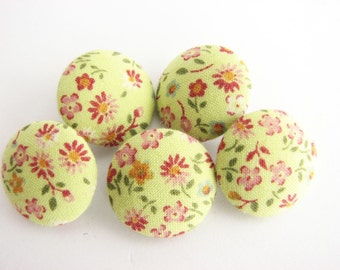 """5 Handmade fabric covered buttons, yellow patchwork buttons with flowers, 17 mm - 6/8""""  unused!!"""