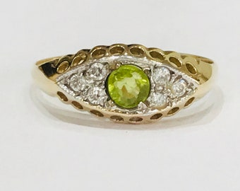 Stunning antique 9ct gold Peridot & White Sapphire boat ring