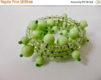 On Sale Vintage Mint Green Plastic Beaded Spiral Cha Cha Bracelet Item K # 1921