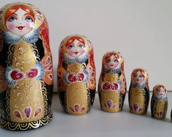 Very cute matryoshka Russian doll, nesting dolls 6 pieces