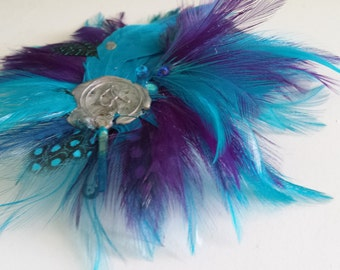 Easy-to-use Handmade Blue and Purple Festive Feather Hairclip