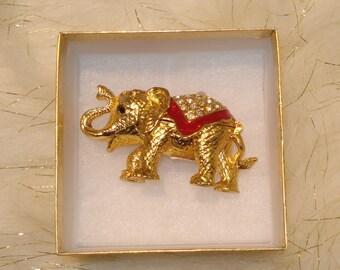 Small elephant jewelry/ trinket holder