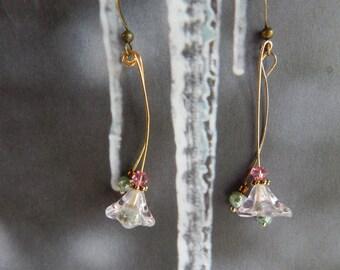 Flower Earrings, Swingy Earrings, Spring Earrings, Pink and Mint Earrings, Pink and Green Earrings, Glass Flower Earrings, Crystal Earrrings