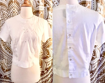 VTG 50s Bombshell White Pin Up Crop Button Embroidered Thin Top Shirt M