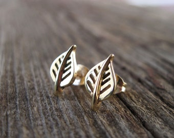 Gold stud leaf earrings, Gift for her, Gold leaf earrings, leaf gold stud earrings, leaf earrings, Natural earrings, Antique leaves earrings