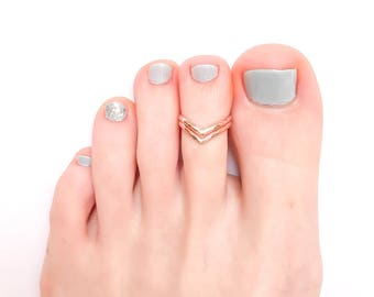 Rose Gold Toe Ring, Rose Gold Filled Ring, Chevron Toe Ring, Adjustable Toe Ring, Foot Jewelry, Rose Gold Ring
