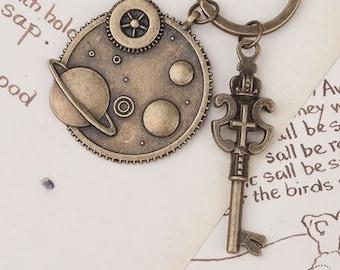 Steampunk Keychain & Keyring Gear Antique Bronze Crown Key Carved