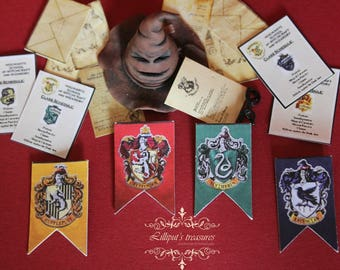 Dollhouse miniature Harry Potter's signs