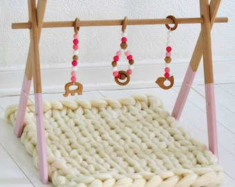 GYM, TOYS & MAT. Wooden baby play gym with toys and play mat, activity gym, handmade play gym, merino wool play mat