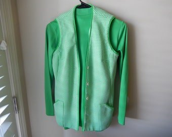 Vest and Polyester Mock Turtleneck Shirt - Size Below