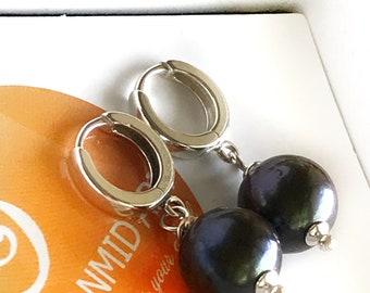Black Pearl Earrings Pearl Earrings Black Silver Earrings 10 mm Pearl Sterling Earrings Wedding Gift Earrings 925 Silver Pearl Earrings