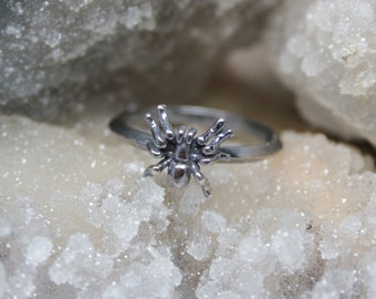Spooky Sterling Silver Spider Ring. Sterling silver arachnid stacking ring. Halloween goth jewelry.