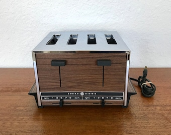 General Electric Popup 2-4 Slice Dual Control Chrome Wood Grain Toaster   Vintage Kitchen Electrics USA