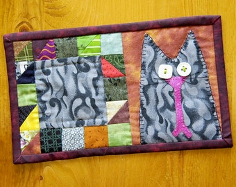 Quilted 90s Cat Mug Rug